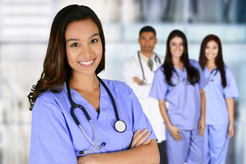看護師が企業へ転職するメリット・デメリット